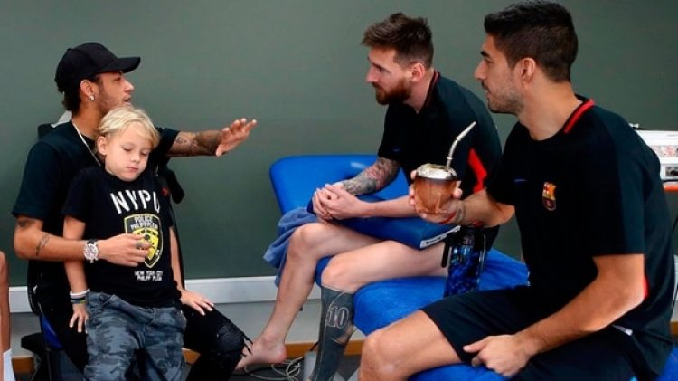 La reunión en la que Neymar le preguntó a sus ex compañeros si lo aceptarían de nuevo