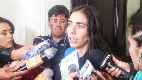 Gabriela Montaño habla con los medios sobre el fallo del TCP relativo a la Ley de Identidad de Género