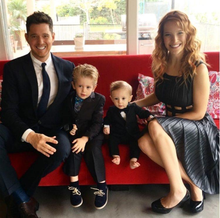 La pareja anunció que suspenderían su vida profesional para centrarse en su familia