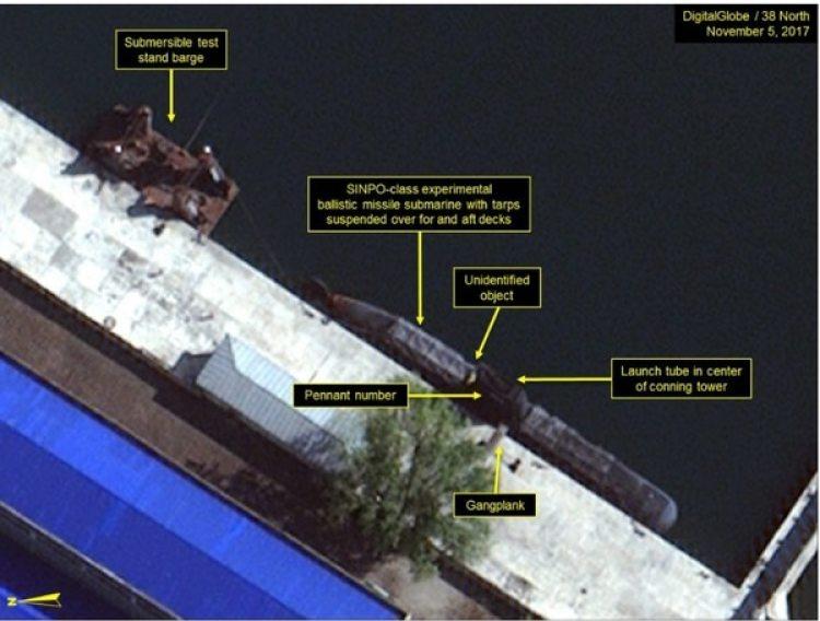Imagen satelital del 38 North que sugiere la construcción del submarino.