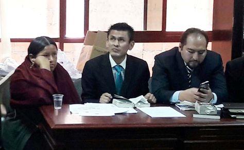 Nemesia Achacollo durante la audiencia en la que se revisó el monto fijado para su fianza. El juez dispudo la reducción de Bs 200.000 a Bs 50.000. Foto: Ángel Guarachi