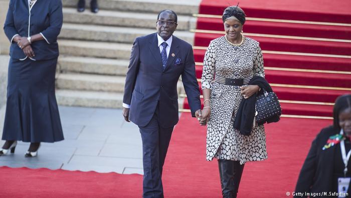 Robert y Grace Mugabe.
