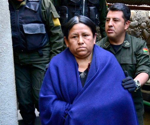 Nemesia Achacollo, exministra de Desarrollo Rural y Tierras, cumplirá su arresto domiciliario en la ciudad de Montero.