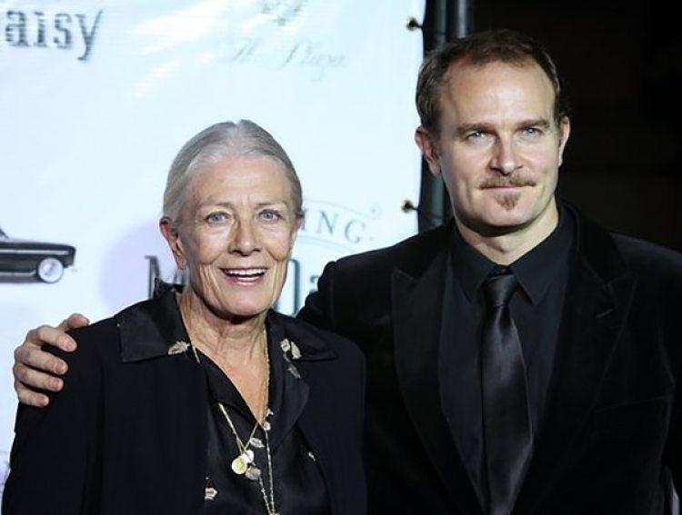 Vanessa Redgrave y Carlo Nero, su hijo y productor de la película que ella dirige, Sea Sorrow