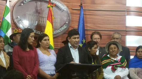 El oficialismo salió a defender el fallo del TCP que habilita la repostulación de Evo Morales