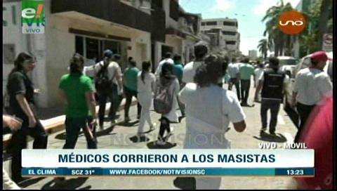 """Médicos corretearon a los masistas """"chicoteadores"""" en el Hospital San Juan de Dios"""