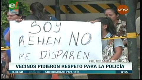 """""""Soy rehén, no me disparen"""", la protesta de funcionarios de Eurochronos"""