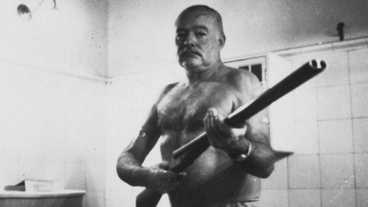 Imagen de Hemingway en la Finca Vigia, en Cuba