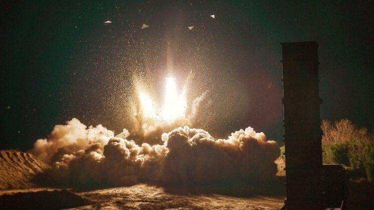 El lanzamiento del misil norcoreano Hwasong-15.