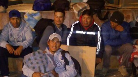 Bolivianos imposibilitados de retonar de Chile tras declaración en quiebra de la empresa que los contrató. Foto: http://confemin.cl