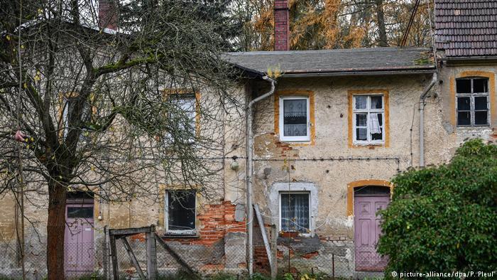 Deutschland - Dorf Alwine soll versteigert werden (picture-alliance/dpa/P. Pleul)