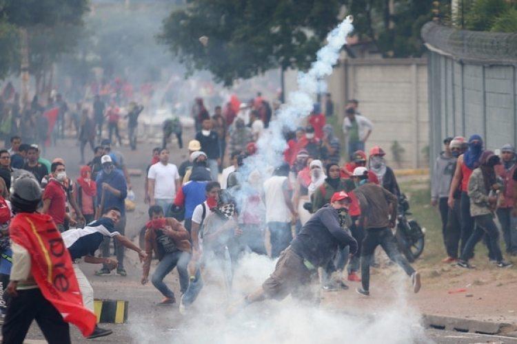 """HRW repudió """"el uso desproporcionado de la fuerza"""" (REUTERS)"""