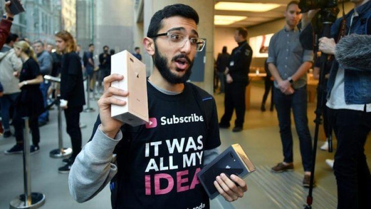 El primer comprador de iPhone X se retira tras adquirir su nuevosmartphone