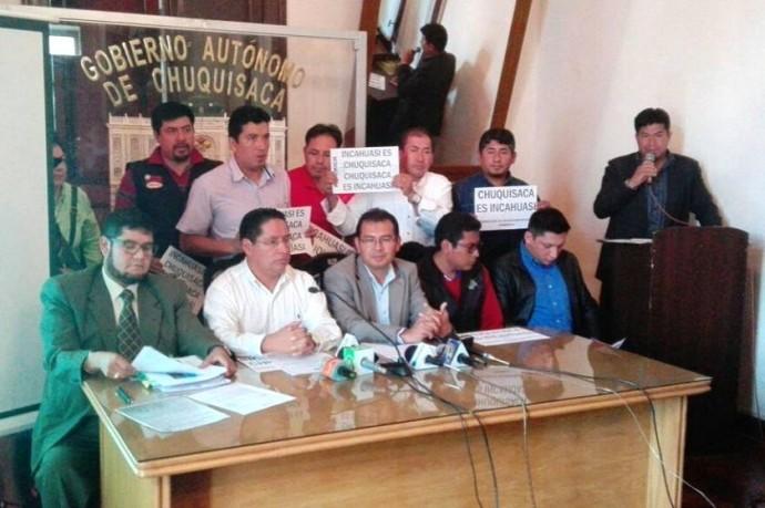 La conferencia de prensa de autoridades de la Gobernación. Foto: CORREO DEL SUR