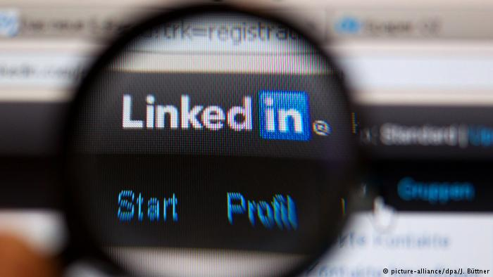 Deutschland Online-Netzwerk LinkedIn Logo (picture-alliance/dpa/J. Büttner)