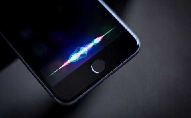 """""""Her"""" está cada vez más cerca: en el futuro, Siri te susurrará al oído"""
