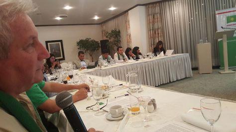 El gobernador cruceño Rubén Costas en la reunión de su partido, Demócratas. Foto:Gonzalo Barrientos