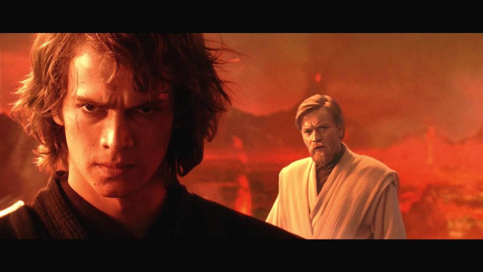 """Sin duda la película más completa y con mejor ritmo de la segunda trilogía. Es más oscura (gran secuencia la de la aniquilación de Jedis y la Orden 66), menos infantil y tiene una de las frases más míticas de la saga, dicha por Amidala: """"Así es como muere la libertad, con un estruendoso aplauso"""". Aunque también tiene ese momento ridículo del duelo final entre Anakin y Obi Wan junto a la lava en el que el segundo le dice al primero que tiene ventaja por estar más alto (después de haber hecho millones de piruetas por todos lados)."""