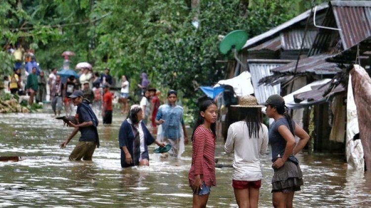 El peligro de inundaciones sigue vigente a pesar de que la tormenta perdió poder (AFP)
