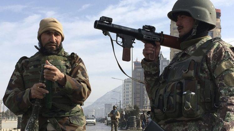 El gobierno afgano envió a tropas de élite para frenar el ataque (AFP)