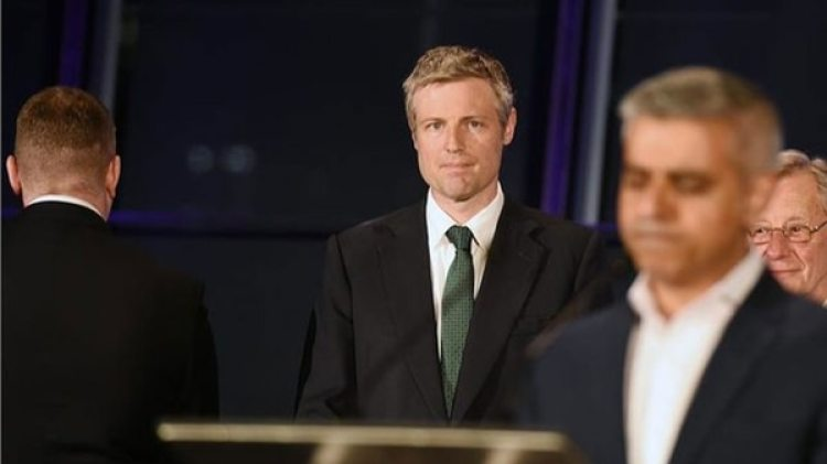 La decisión tomada por Twitter coincide, además, con las detenciones de Golding y Fransen la pasada semana en Belfast, tras las que comparecieron ante un juzgado de la capital de Irlanda del Norte acusados de cometer delitos de odio