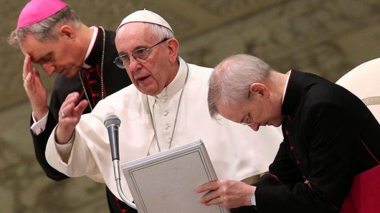 El papa Francisco busca impulsar reformas en la Curia romana. (Reuters)