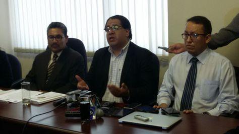 El presidente del Colegio de Abogados de La Paz, Israel Centellas, se pronuncia sobre conflicto médico. Foto:Angel Guarachi