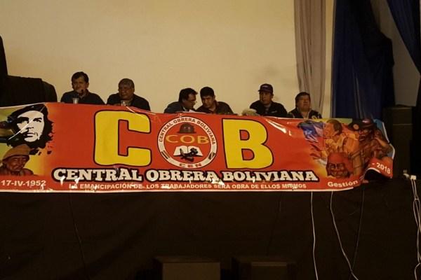 """COB convoca a exdirigentes y luchadores de """"octubre negro"""" a reunión por conflicto médico"""