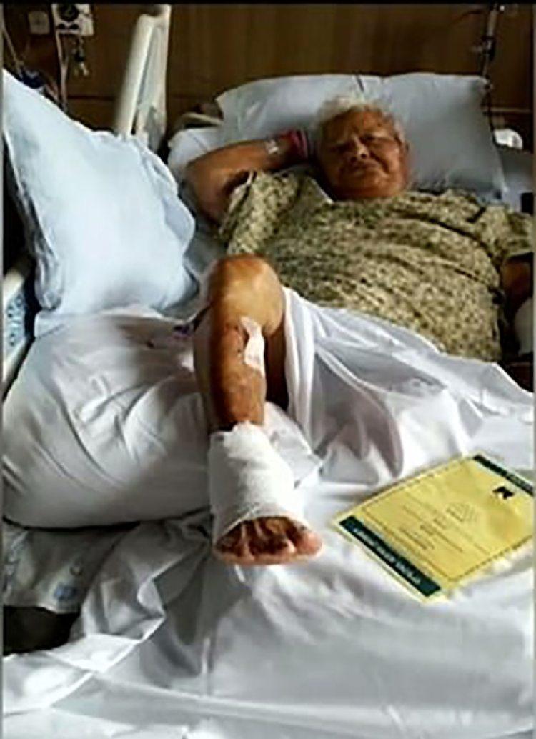 Bernice Kedona en el hospital luego del accidente