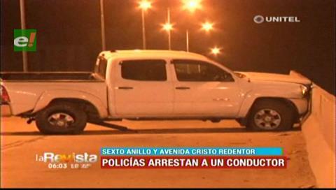 Conductor pierde el control de su vehículo e impacta contra viaducto de la avenida Cristo Redentor