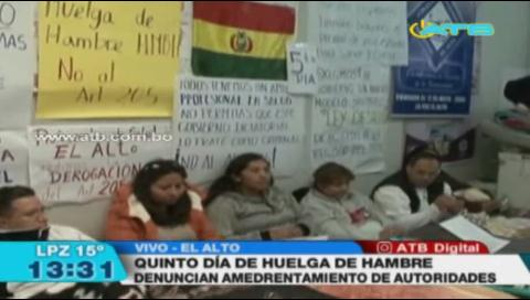 Médicos cumplen quinto día de huelga en El Alto