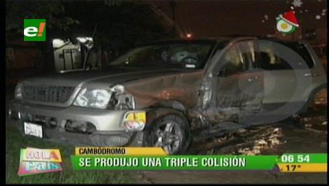 Triple colisión deja 4 personas heridas entre ellos 2 niños