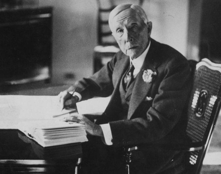 John D. Rockefeller fue el primer multimillonario de los Estados Unidos.