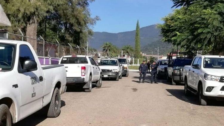 Autoridades de Veracruz acordonaron la zona pero no se ha informado qué grupo delictivo está detrás de las muertes. (Facebook Sucesos de Veracruz)