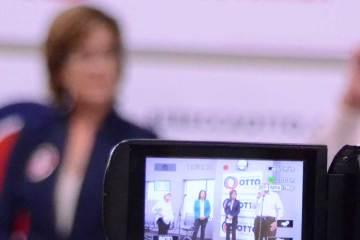 Rebecca Otto education event in CD2