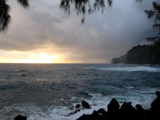 A turbulent morning at Laupahoehoe Point.