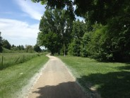 Nice (hot) path along the Main. Nevermind the fact that I'm righteously lost.