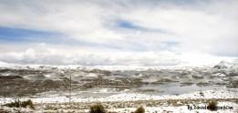 Lagunas Cota Cotani, sólo a unos pasos del Lago Chungará, una vista maravillosa en plena época del invierno altiplánico.