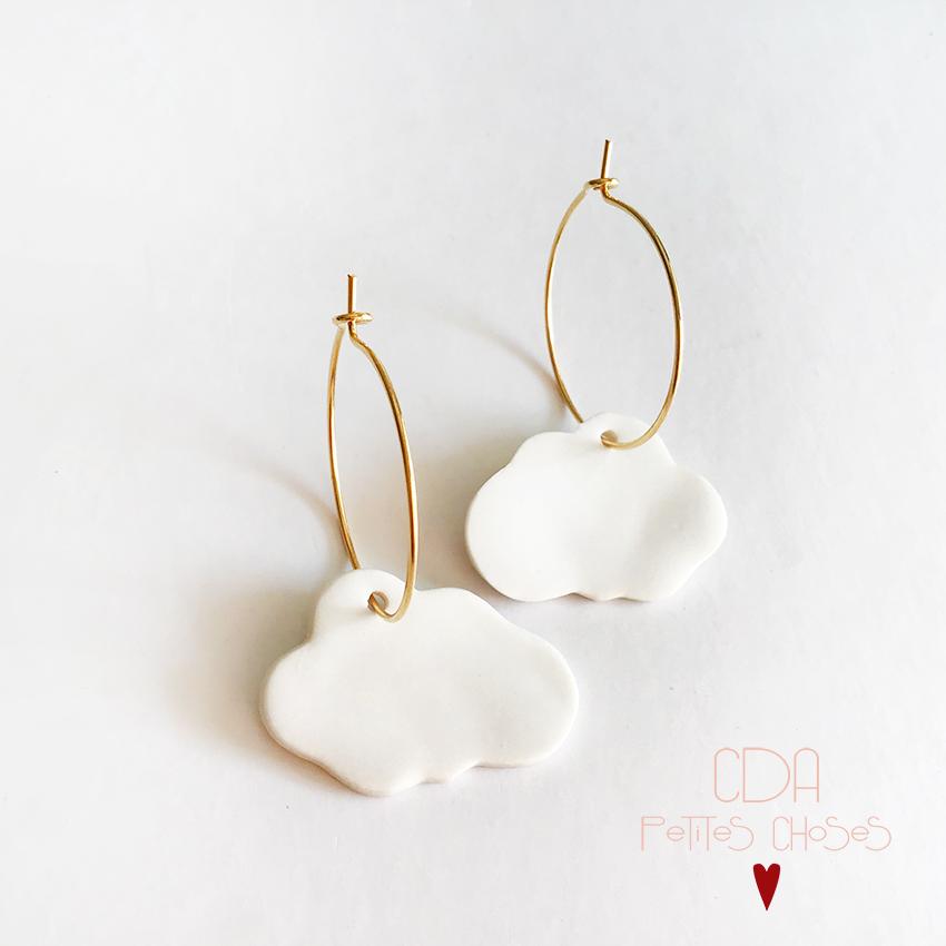 Boucles d'oreille creoles en porcelaine nuages blancs CDA Petites Choses