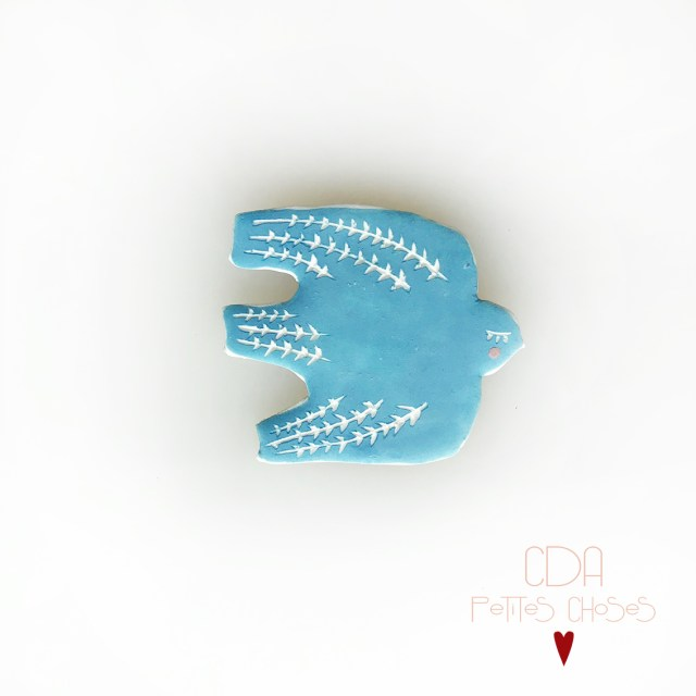 broche-en-porcelaine-oiseau-bleu-3 CDA Petites Choses