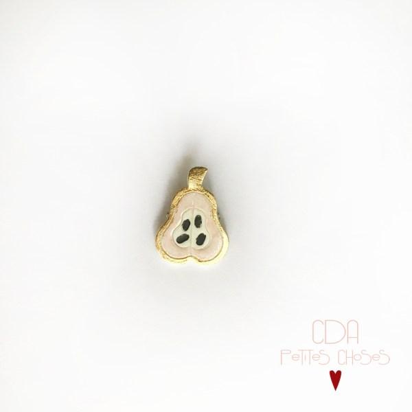 broche-en-porcelaine-poire-et-feuille-d'or CDA Petites Choses