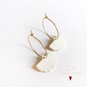 Boucles d'oreille créoles mini ginkgo en porcelaine CDA petites Choses