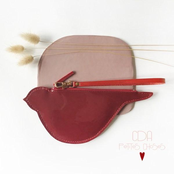 trousse-oiseau-cuir-vernis-lisse-rouge-CDA Petites Choses