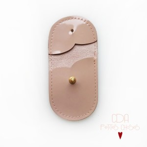mini-pochette-en-cuir-vernis-rose-nude-2 CDA Petites Choses