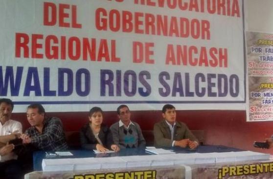 Áncash: juntan más de 15 mil firmas para revocar a Waldo Ríos