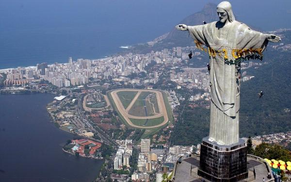 Brasil recibe al Papa con el menor número de católicos de su historia