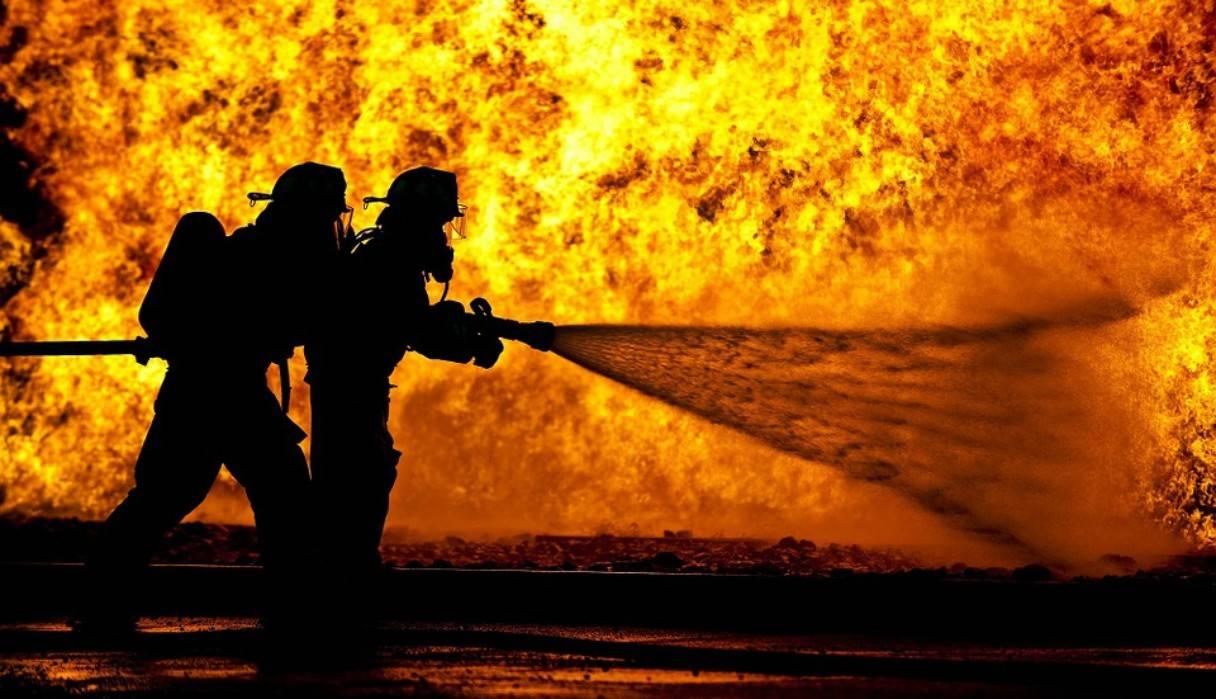Resultado de imagen para voluntarios apagan incendios en el amazonas