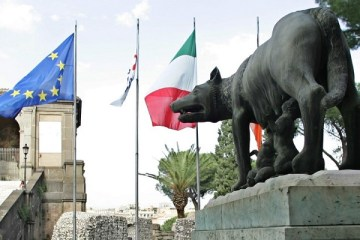 S&P raises Italy's outlook to 'positive' on reforms