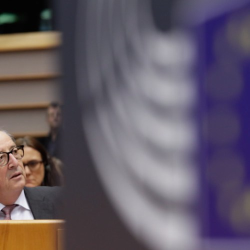 Who is running to replace Juncker