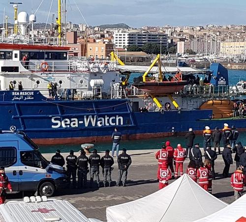 Italy's coastguard blocks Sea Watch 3 in Catania's port